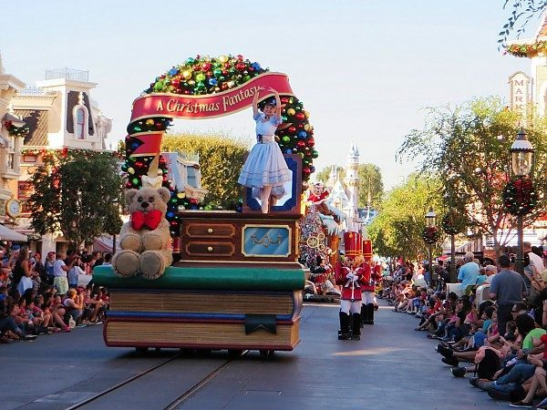 Christmas At Disneyland Disney S California Adventure